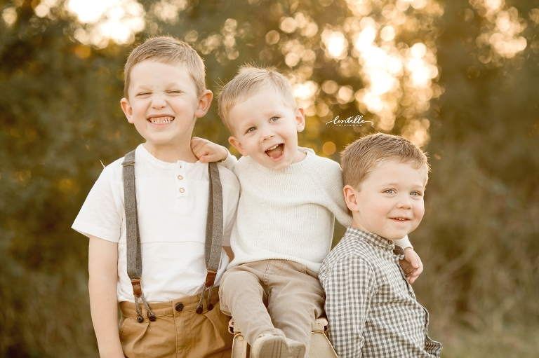 Brothers laugh together | Lentille Photography | Houston Family Photographer